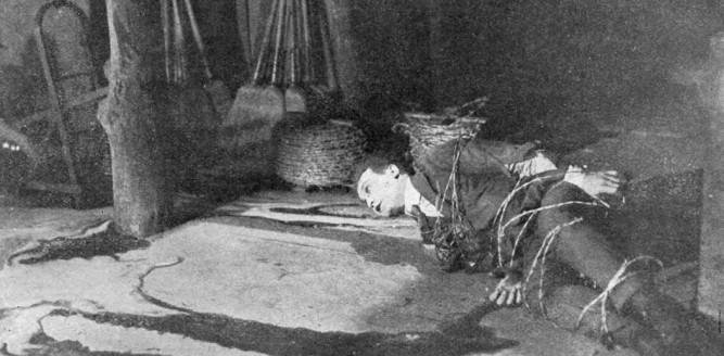 1919_master_mystery_004_harry_houdini
