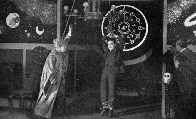 1919_master_mystery_007_harry_houdini