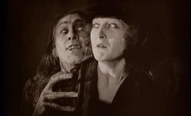 1920_dr_jekyll_and_mr_hyde_003_john_barrymore_martha_mansfield