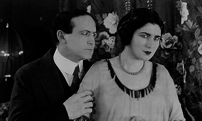 1922_man_from_beyond_004_harry_houdini_nita_naldi