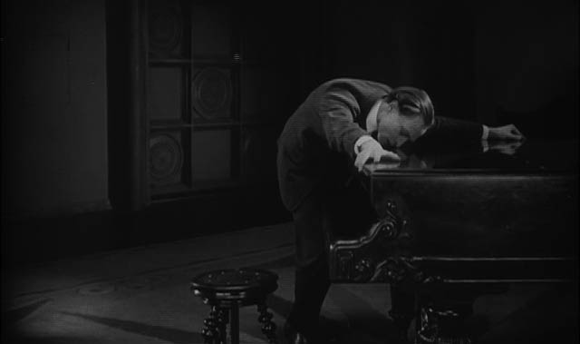 1924_hands_of_orlac_012_conrad_veidt