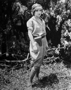 1925_lost_world_009_bessie_love