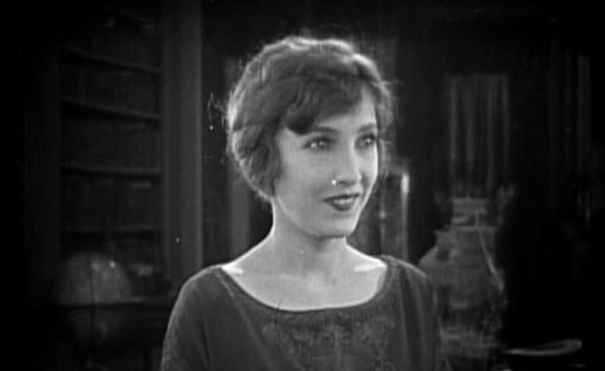 1925_lost_world_023_bessie_love