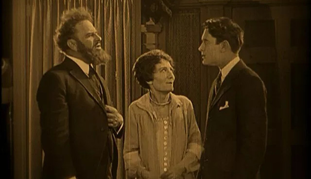 1925_lost_world_027_wallace_beery_margaret_mcwade_lloyd_hughes