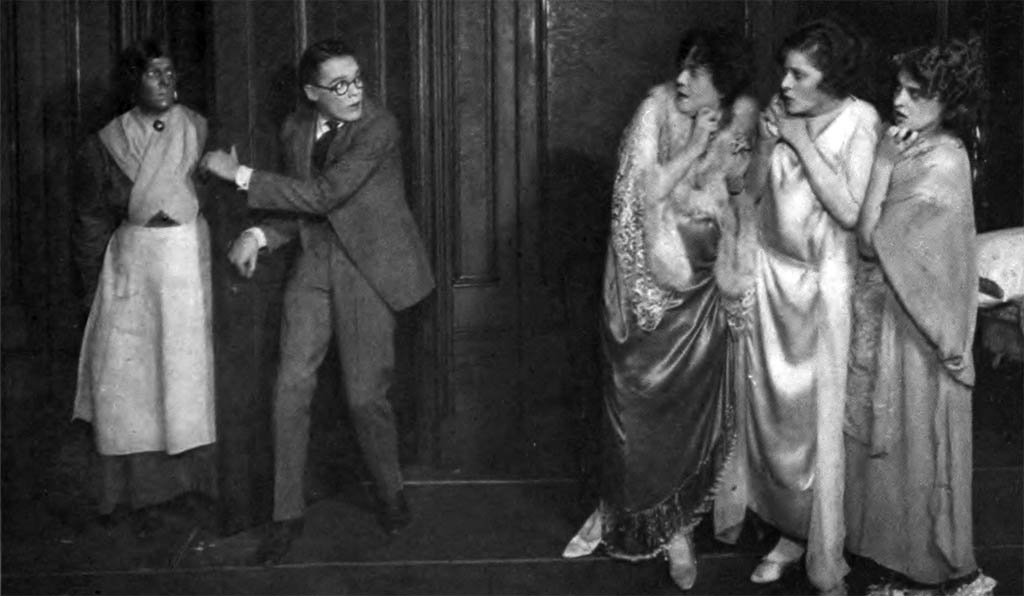 1925_the_monster_1922_cat_and_the_canary_play_willard_1922