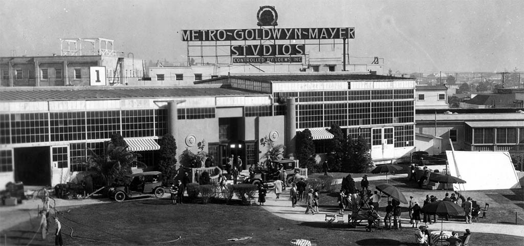 1925_the_monster_mgm_studios_culver_city_cali