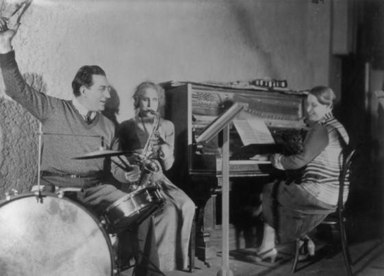 1927_metropolis_036_fritz_lang_brigitte_helm_thea_von_harbou