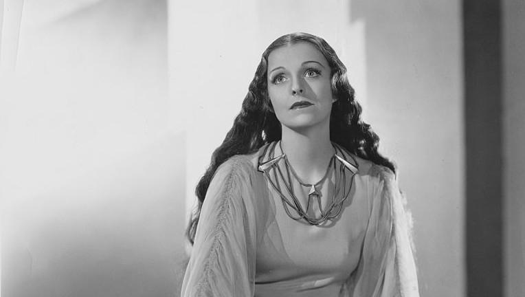 1935_she_036 helen gahagan
