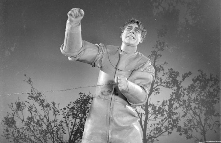 1941_man_made_monster_017 lon chaney