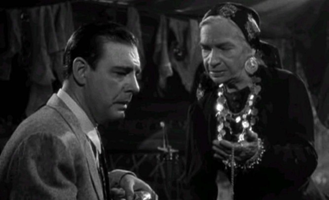 1943_frankenstein_meets_wolf_man_028 lon chaney maria ouspenskaya